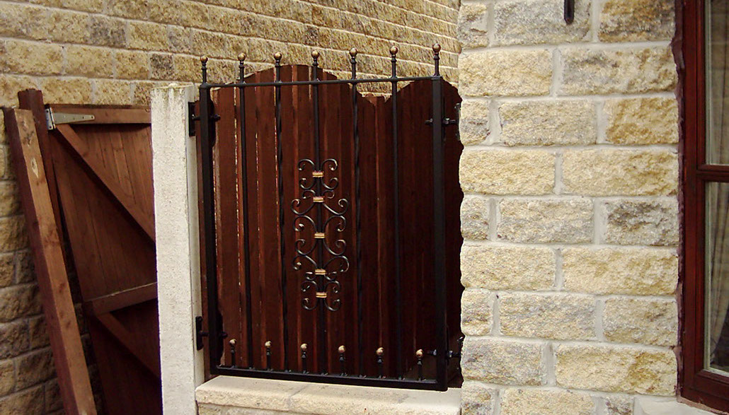 Made to measure wrought iron scroll panel